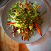 "Salada de cenoura assada com crocante de laranja + Os ""blogues vão à horta"" / Roasted carrot salad with orange crumb + a very special weekend"