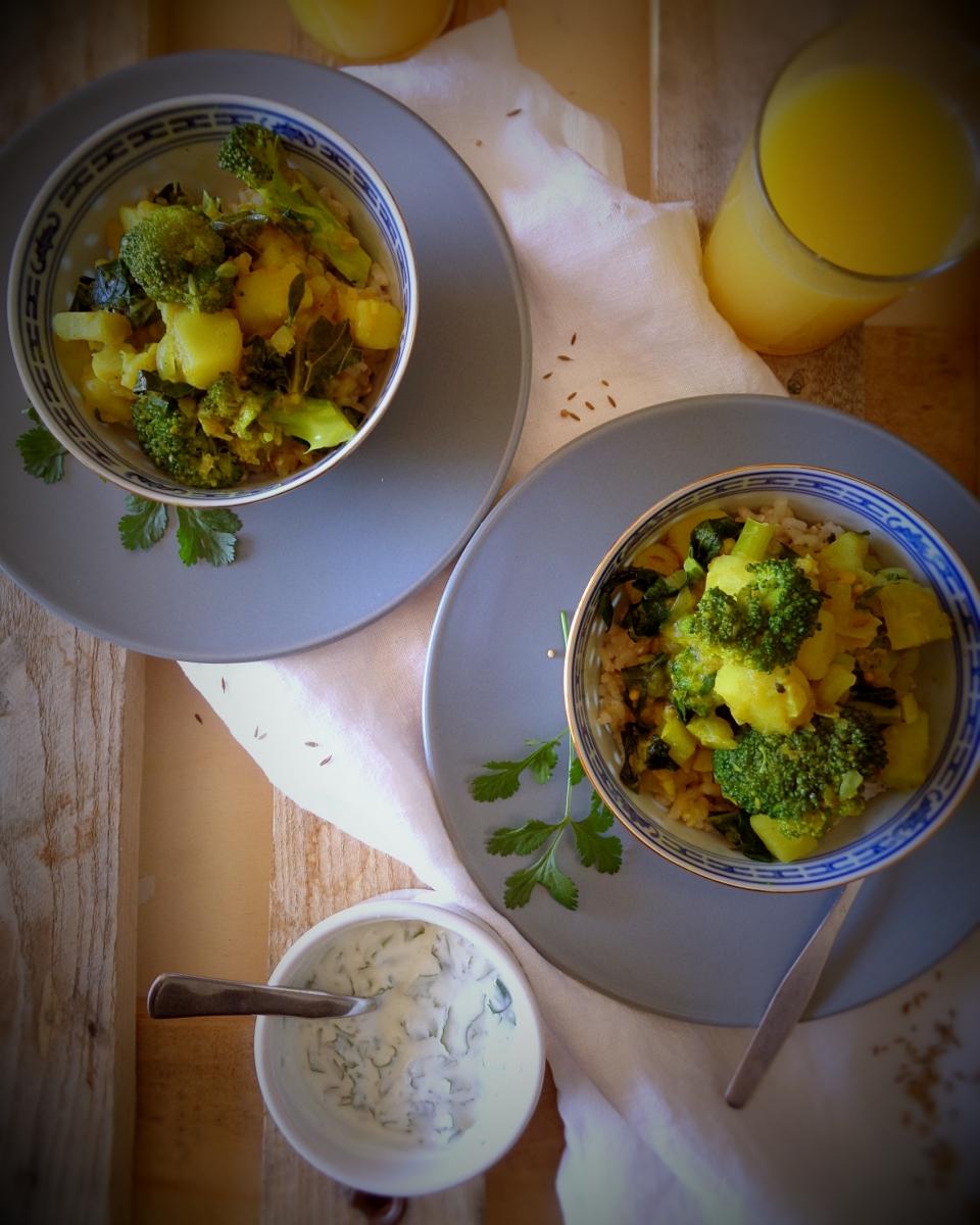 Caril rápido de batata-doce e brócolos + dicas para fazeres a tua própria mistura de caril// Quick sweet potato and brocoli curry + tips to make your own curry mix