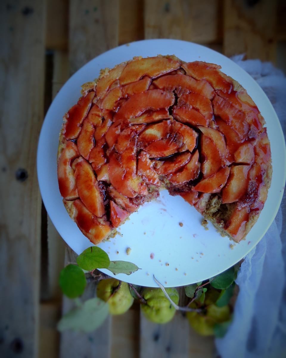Bolo invertido de marmelo sem glúten // Upside down gluten free quince cake