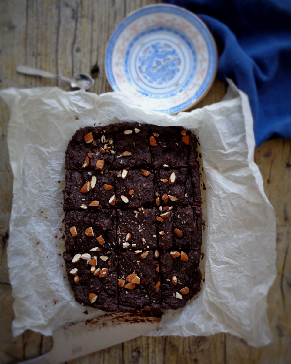Brownies de amêndoa  + 2º aniversário do blog + novidades //Almond brownies + 2nd bloganniversary + news