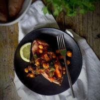 Batata-doce assada com caril de grão e acelgas / Roasted sweet-potato with chickpea and chard curry