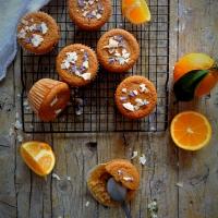 Muffins de laranja e coco (veganos) // Orange and coconut muffins (vegan)