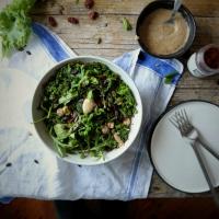 Salda de kale com molho das mil e uma noites// Kale salad with a thousand and one nights dressing